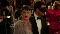 Fifty Shades Darker: Masquerade Ball (Featurette)